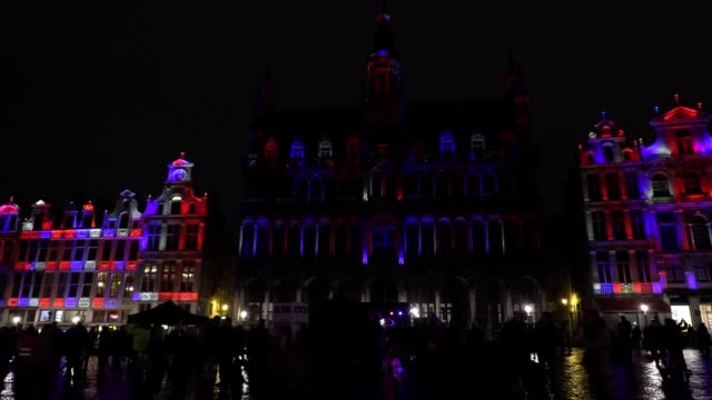 vidéos et rushes de the uk's penultimate night in the eu has been marked by music and celebrations across brussels, hosted by remain-supporting meps. the mayor of... - grand lit