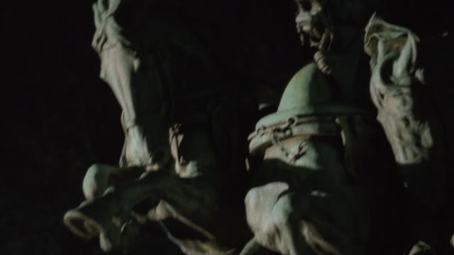 vídeos y material grabado en eventos de stock de ms the ulysses s. grant memorial statue at night / washington, d.c., united states - ulysses s grant