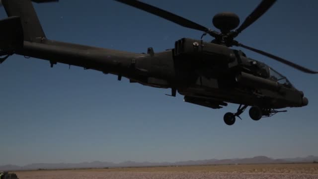 the united kingdom army operates out of gila bend air force auxiliary field ariz for their crimson eagle exercise joint terminal attack controllers... - kampfhubschrauber stock-videos und b-roll-filmmaterial
