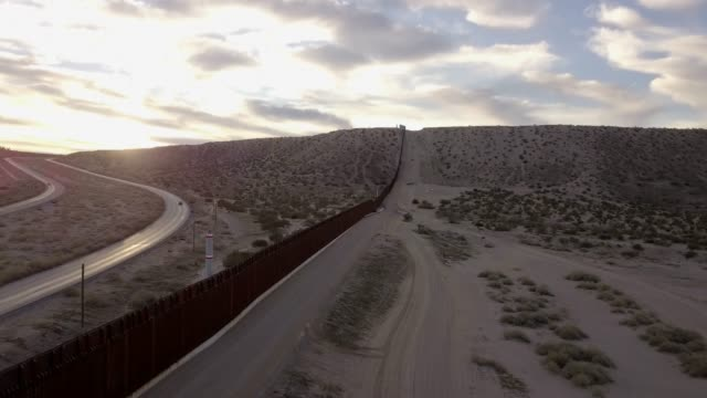 the united states mexico international border wall between sunland park new mexico and puerto anapra, chihuahua mexico - mexico stock videos & royalty-free footage