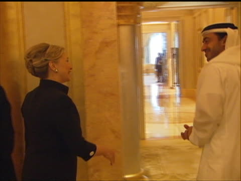 vídeos y material grabado en eventos de stock de of the united states secretary of state hillary clinton being greeted by the united arab emirates foreign ministerêsheikhêabdullahêbinêzayed. hillary... - huma abedin
