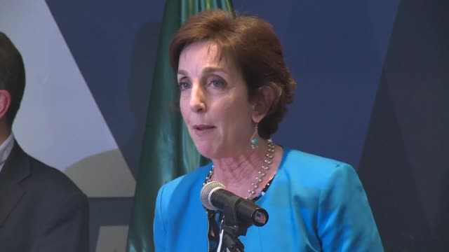 The US ambassador to Mexico Roberta Jacobson announced Thursday she plans to step down becoming the latest in a string of senior diplomats to leave...