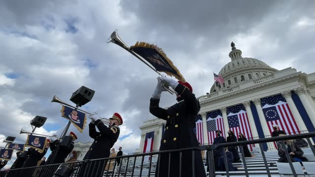 """the u.s. army band """"pershing's own"""" plays during the inauguration of u.s. president-elect joe biden on the west front of the u.s. capitol on january... - 就任式点の映像素材/bロール"""