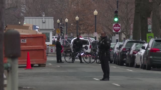 The US Secret Service reports that a vehicle rammed into a security barrier near the White House and the driver has been apprehended