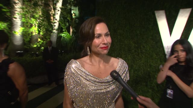 stockvideo's en b-roll-footage met the vanity fair party and seeing graydon carter at sunset tower on february 26 2012 in west hollywood california - minnie driver