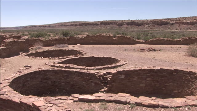 the vast desert stretches out from chaco culture national historical park. - chaco culture national historical park stock videos & royalty-free footage