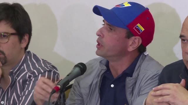The Venezuelan opposition calls on authorities to maintain a process to authorize a recall referendum against president Nicolas Maduro to avoid...