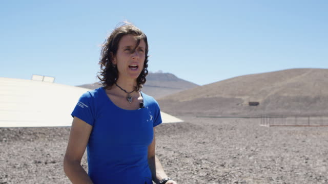 the very large telescope array is the flagship facility for european ground-based astronomy at the beginning of the third millennium. it is the... - bronek kaminski stock videos & royalty-free footage