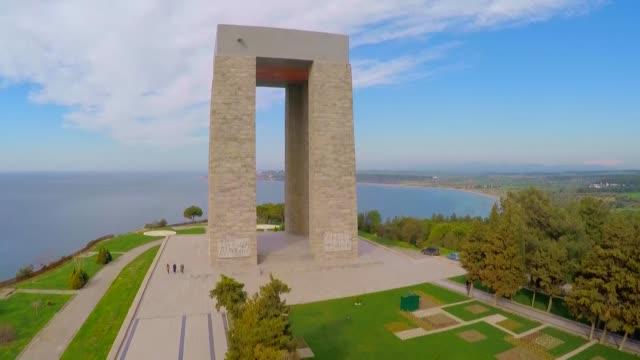 the video shows aerial views of canakkale martyrs' memorial, namazgah bastion, tekke bay, mecidiye memorial, soganlidere martyrs memorial, french... - sergeant stock videos & royalty-free footage