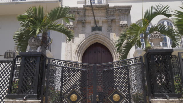 the villa casa casuarina on ocean drive, miami beach, south beach, miami, florida, united states of america, north america - building entrance stock videos & royalty-free footage