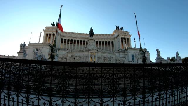 4k the vittorio emanuele ii monument monumento nazionale a vittorio emanuele ii or altare della patria video - piazza venezia stock videos and b-roll footage