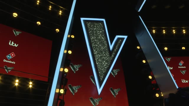 The Voice UK interviews with coaches finalists 2017 ENGLAND London PHOTOGRAPHY*** The chairs / names on screen / Sir Tom Jones posing for photos /...