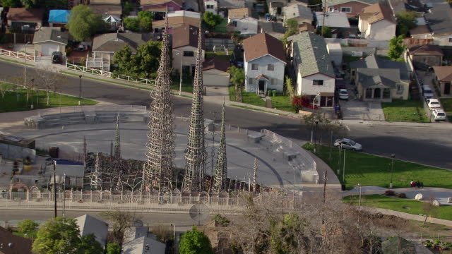 the watts towers, a historical landmark in the watts neighborhood of south los angeles, california. - 塔 個影片檔及 b 捲影像