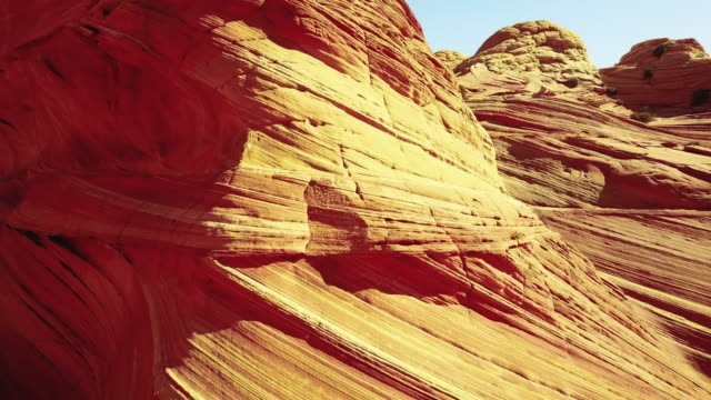 die welle in arizona - zion narrows canyon stock-videos und b-roll-filmmaterial