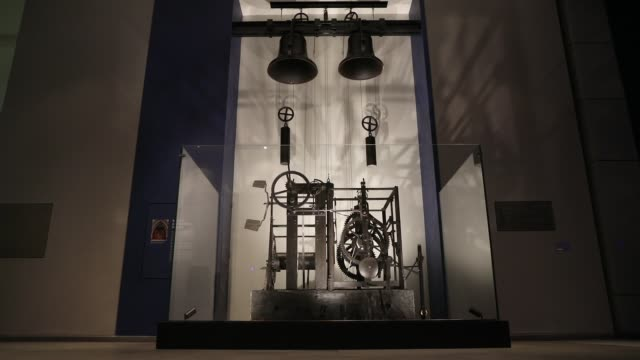 the wells cathedral clock mechanism during a photocall at the science museum on august 25, 2017 in london, england. the wells cathedral clock... - wells cathedral stock videos & royalty-free footage