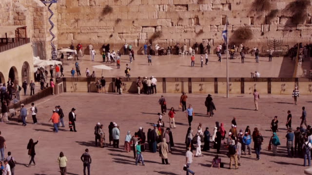 the western wall plaza in jerusalem - wailing wall stock videos & royalty-free footage