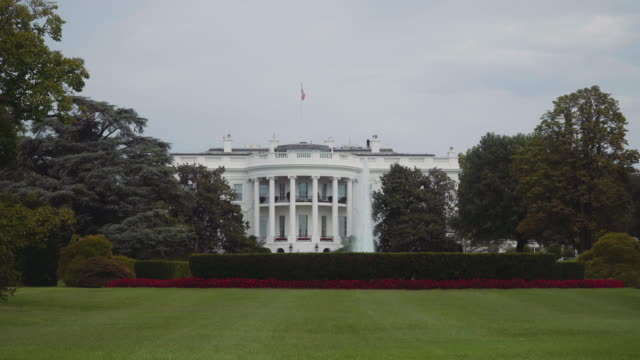 the white house 4k - weißes haus stock-videos und b-roll-filmmaterial