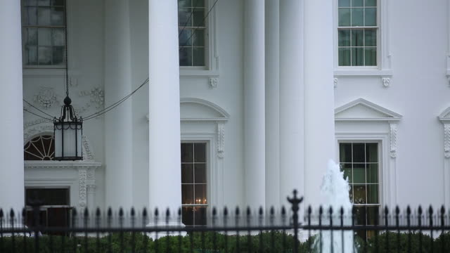stockvideo's en b-roll-footage met the white house exterior after sunrise in washington dc us on tuesday october 16 2018 - neoklassiek