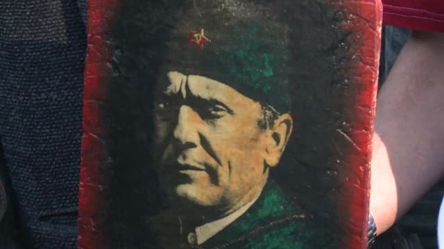 the widow of former yugoslav leader josip broz tito was buried in belgrade saturday with full state honours as the last symbol of the communist... - serbien stock-videos und b-roll-filmmaterial