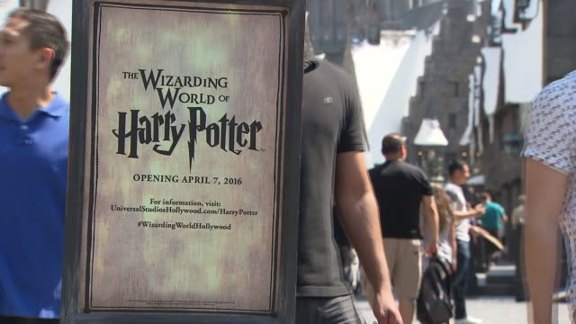 ktla the wizarding world of harry potter at universal studios hollywood - harry potter stock videos & royalty-free footage