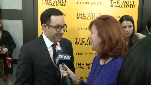 vidéos et rushes de the wolf of wall street premiere on december 17 2013 in new york new york - biographie