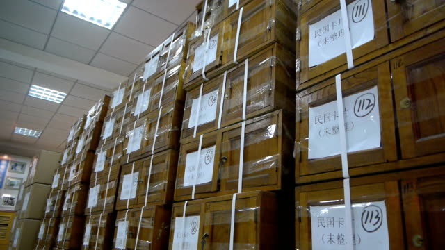 the wooden boxes stacked together - mercanzia video stock e b–roll