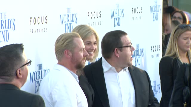 clean the world's end los angeles premiere presented by focus features los angeles ca united states 8/21/13 the world's end los angeles premiere... - cinerama dome hollywood stock videos & royalty-free footage