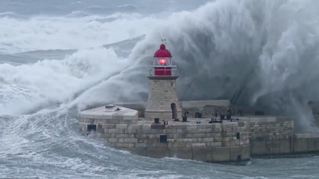 //www.timesofmalta.com/articles/view/20190225/local/worst-storm-since-1982-saw-record-gusts-of-133kmh-muscat.702998 worst storm to hit malta since... - https stock-videos und b-roll-filmmaterial