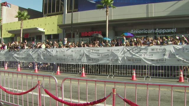 want to believe' premiere at los angeles ca. - xファイル点の映像素材/bロール