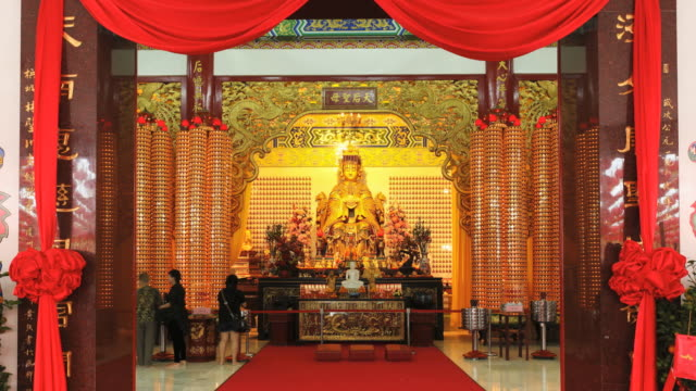 thean hou chinese temple, kuala lumpur, malaysia, southeast asia, asia - hanging stock videos & royalty-free footage