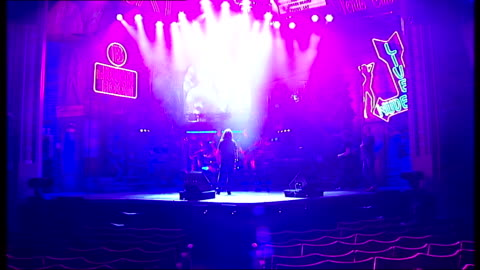 stockvideo's en b-roll-footage met alice cooper joins cast of 'rock of ages' for a night; england: london: shaftesbury avenue: int **music heard sot** alice cooper and band rehearsing... - alice cooper