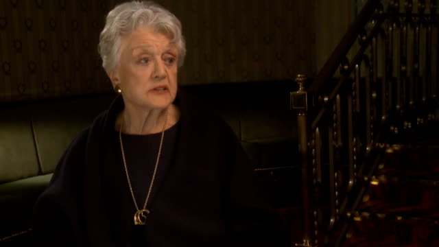 Angela Lansbury to appear in 'Blithe Spirit' Lansbury interview SOT On her family coming from London