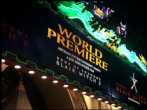 theatre exterior at the 'book of shadows blair witch 2' premiere at grauman's chinese theatre in hollywood california on october 23 2000 - book of shadows: blair witch 2 stock videos & royalty-free footage
