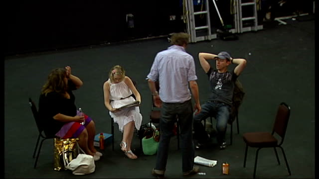'fat pig' at the playhouse theatre int various of ella smith joanna page kris marshall and robert webb sitting together and chatting - playhouse stock videos & royalty-free footage