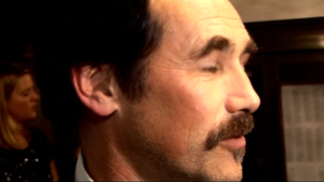 laurence olivier awards 2010 mark rylance interview sot hasn't really left the stage was in america playing a farce on broadway last year / wanted to... - mark rylance stock-videos und b-roll-filmmaterial