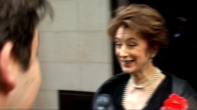 laurence olivier awards 2010 maureen lipman interview sot feel grander than the mother of a cockroach / feeling nervous today / theatre awards are... - maureen lipman stock videos and b-roll footage