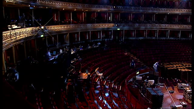'the phantom of the opera' 25th anniversary royal albert hall performances england london royal albert hall day 'the phantom of the opera at the... - das phantom der oper stock-videos und b-roll-filmmaterial