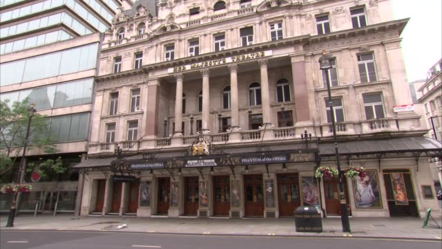 west end theatres gvs; england: london: west end: ext wide shot of theatre royal haymarket / various shots of theatre royal haymarket with shutters... - theatre royal haymarket stock videos & royalty-free footage
