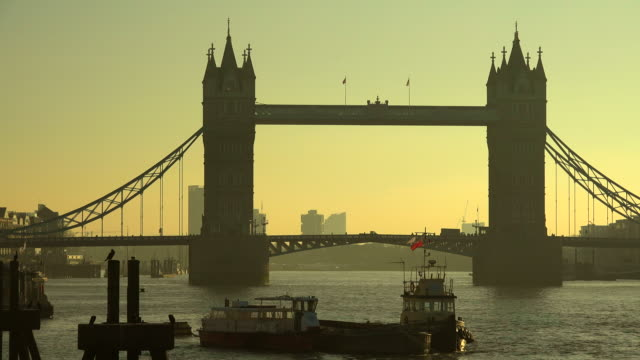 themse river and tower bridge, london, south england great britain - 跳開橋点の映像素材/bロール