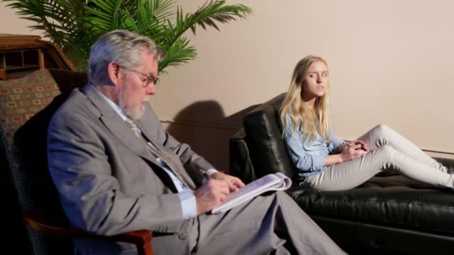 vidéos et rushes de thérapie - psychiatrie