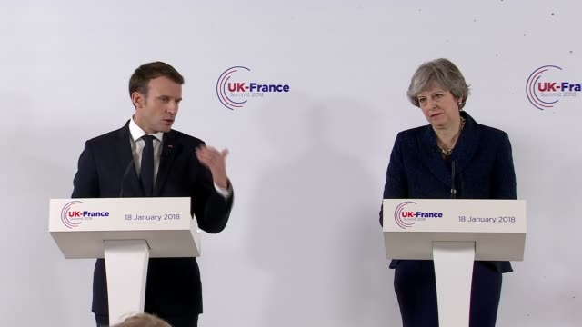 vidéos et rushes de theresa may and emmanuel macron press conference; theresa may and emmanuel macron answer questions from press sot - re calais deal and immigration /... - solution