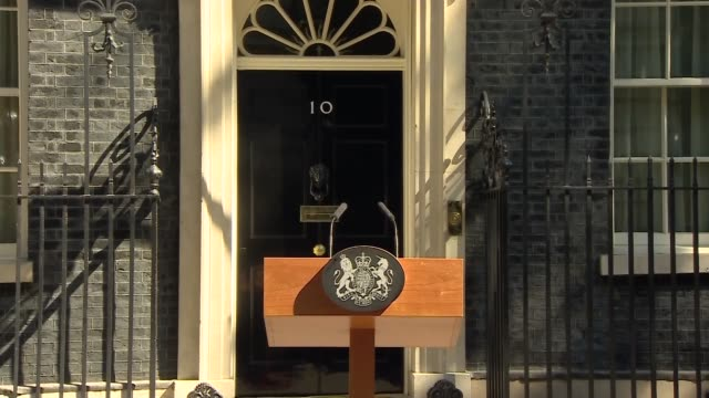 Theresa May announces she will resign as Conservative Party leader om Jume 7th 2019 Statement ENGLAND London Downing Street EXT Door to Number 10...