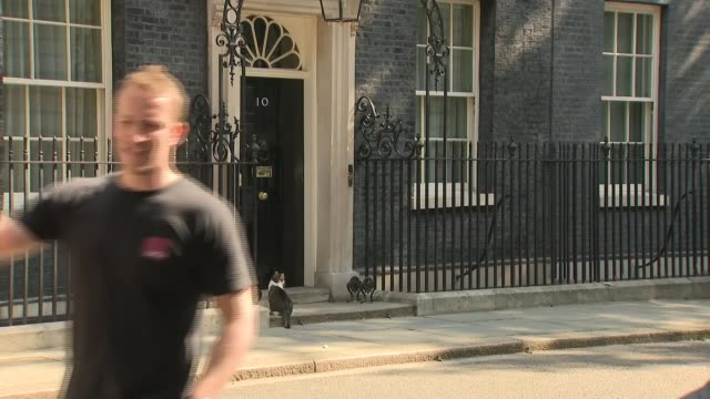 theresa may announces she will resign as conservative party leader on jume 7th 2019 cutaways england london downing street ext door to number 10 with... - downing street stock videos and b-roll footage
