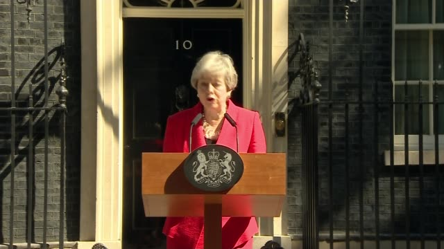 theresa may announces she will resign as conservative party leader on june 7th 2019 england london downing street ext theresa may mp from number 10... - theresa may stock videos & royalty-free footage