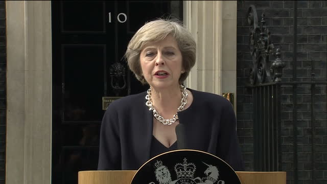 vídeos de stock, filmes e b-roll de theresa may became britain's new prime minister on wednesday, accepting an invitation to govern from queen elizabeth ii after the resignation of... - primeiro ministro