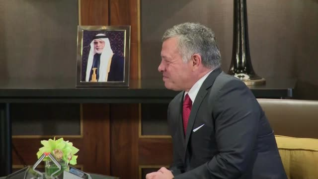 PM Theresa May bilat talks with King Abdullah II of Jordan JORDAN Amman PHOTOGRAPHY*** Theresa May MP seated talking with the King Abdullah II of...