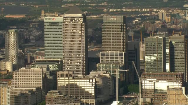 Theresa May defends free market in Bank of England speech LIB / London skyline and Canary Wharf