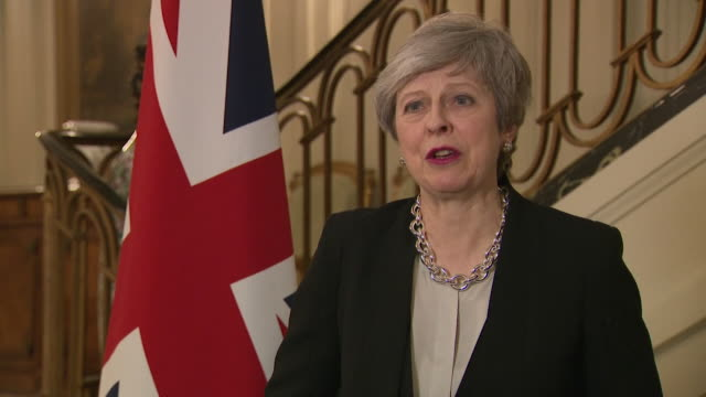 "vídeos y material grabado en eventos de stock de theresa may gives her reaction to the three conservative mp's who have left the party to join the independent group / change uk ""i am saddened by the... - abandonar"