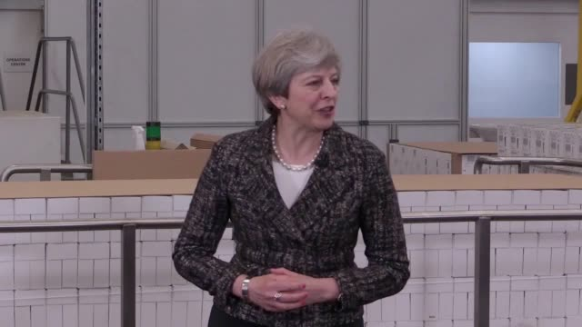 vídeos y material grabado en eventos de stock de theresa may has said she will maintain britain's commitment to spending 0.7% of national income on foreign aid if the conservatives win the general... - distrito electoral