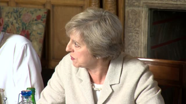 theresa may holds chequers brexit talks england buckinghamshire chequers photography *** theresa may mp hosting round table cabinet meeting sot talks... - バッキンガムシャー点の映像素材/bロール
